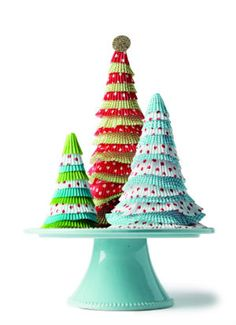 During the hectic holiday season, set some time aside for your family to enjoy this easy, three-step craft. Christmas Crafts For Kids To Make, Christmas Art, Christmas Projects, Crafts To Make, Christmas Decorations, Christmas Ideas, Kid Crafts, Christmas Stuff, Christmas Desserts