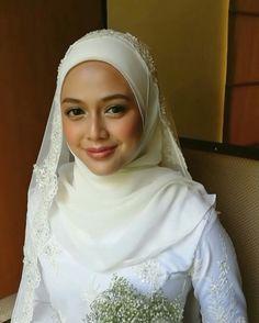Tun Syahirah nikah this morning! 😍 This girl ah. Her skin 😭 just so perfect! Tahniah on your wedding Syira! See you next Sundayyy hehe… Makeup Looks, Reception, Husband, Makeup Ideas, Wedding, Instagram, Fashion, Indian Weddings, Casamento