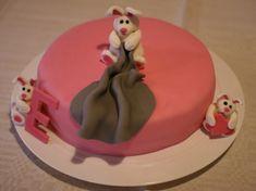 Birthday cake for a little bunny fan