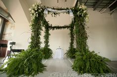 Would be beautiful with a giant wooden cross as the altar....