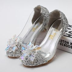 Kids' Leatherette Sparkling Glitter Low Heel Closed Toe Flats Pumps With Rhinestone (047094251)
