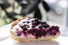 You want a piece of me?)) #pie #food #yummy #berries #tasty #home #homemade #petsandthekitchen #allpetsgotokitchen