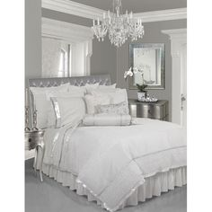 M loves this! Silver & White Bedroom beautiful-design