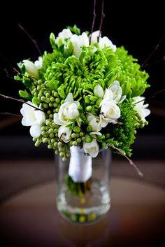 Such a gorgeous bouquet, thanks to Larkspur!