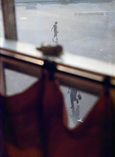 Find the latest shows, biography, and artworks for sale by Saul Leiter. Saul Leiter received no formal training, but has gained renown for his street photogr… Robert Frank, Photography Gallery, Artistic Photography, Fine Art Photography, Street Photography, Better Photography, Magical Photography, Travel Photography, Narrative Photography