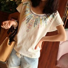 Bohemian Style Feather Printed Cotton T-shirt|Unusual Tops - Clothing & Apparel|ByGoods.com