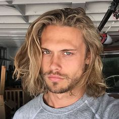 23 men long blonde hair color - Hairstyle Fix Cool Haircuts, Haircuts For Men, Haircut Men, Short Haircut, Hair And Beard Styles, Short Hair Styles, Surfer Hair, Surfer Dude, Lange Blonde