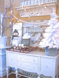 Pom pom garland (found at Hobby Lobby), styrofoam balls, paint glue on them and roll in glitter. Simple Very Merry Christmas, Christmas Snowman, White Christmas, Christmas Home, Christmas Holidays, Christmas Ideas, Snowman Decorations, Christmas Decorations, Holiday Decorating