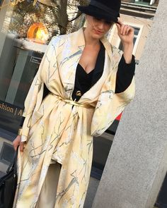 #styling #vintage #kimono #japanesestyle #expressyourself #lovemystyle #geraldinehausar #fashionmeetsart #hoverfly  #fashionindividual #fashiongram #dailyfashion #fashionblogger #lookbook #styleblog #dailyinspiration  #instyle #perfectfashionstyling #streetchic #style #styleinspiration #outfitoftoday #instafashion #instastyle #styleblogger #elegance #timeless #bestofaustria Vintage Champagne, Champagne Color, Vintage Kimono, Japanese Kimono, Street Chic, Daily Fashion, Wrap Dress, Kimono Top, Style Inspiration
