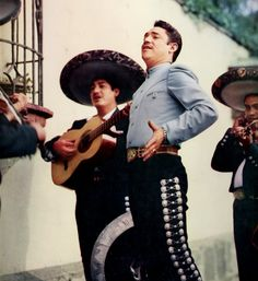 Serenata con Javier Solis, My favorite Singer and the Best Voice Mexico has ever had!