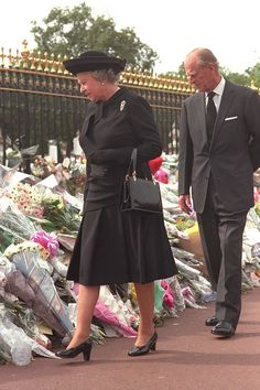 The Queen finally arrived back in London to view floral tributes to Diana the day before her funeral, after facing a tidal wave of negative public opinion