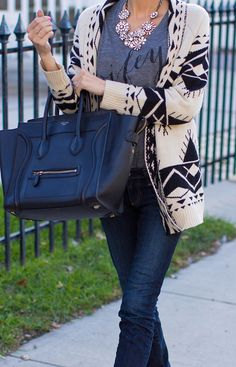 There's nothing like a simple graphic tee, over-sized cardigan and satchel for days when your out-and-about! For a perfect fall look, pair with cozy jeans and accessories.