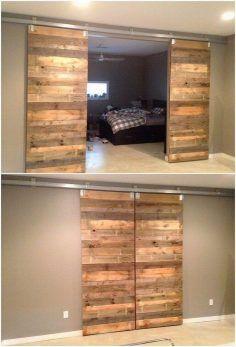 Hout gerecycleerd Pallet Deur Ideeën # Gerecycleerd #wooden # Ideeën #pale …