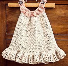 Perfect little summer dress for your little girl! I offer two ruffle options - long and small ruffle. The body part is textured and not see-through.  Sizes - Finished chest: 0-6 months - 19 inches or 48cm 1-2 years ' 22 inches or 56cm 3-5 years - 25 inches or 63.5cm  Finished length: 0-6 mon ...