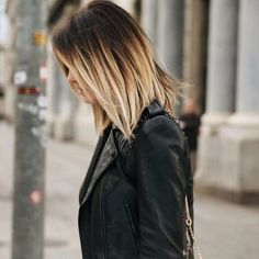71 most popular ideas for blonde ombre hair color - Hairstyles Trends Color Ombre Hair, Ombre Bob Hair, Caroline Receveur Hair, Hair Dos, My Hair, Blunt Bob Hairstyles, Haircut And Color, Hair Images, Mode Style