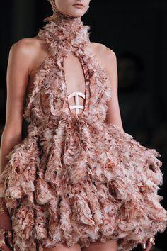 Alexander McQueen. Paris Fashion Week, primavera verano 2012.