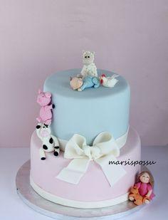 Marsispossu: Ristiäiskakku maatilan eläimillä somistettuna, Christening cake for baby boy