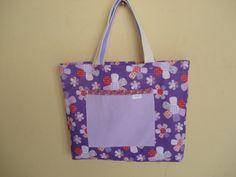 https://flic.kr/p/bo91Yc   Tote Bag - Bolsa 0002 - A   Por dentro, bolso. Tote bag confeccionada em Lona e forrada com tecido 100% algodão . Pintada .  Medidas: 31x36x7 cm