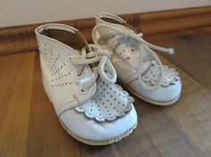 😢🍀 Czech Republic, Childhood Memories, Baby Shoes, The Past, Retro, Kids, Vintage, Antiquities, Historia