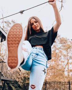 just kickin it 🤘🏼 Mode Outfits, Girl Outfits, Fashion Outfits, Black Jeans Outfit, Photography Poses Women, Cute Poses, Poses For Pictures, Famous Girls, Jolie Photo