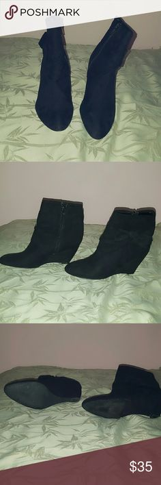 Wedge Booties Very lightly worn wedged booties with zipper on the side and bow. 6M Carlos Santana Shoes Ankle Boots & Booties