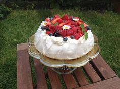 Dort Pavlova Pavlova, Camembert Cheese, Cheesecake, Cupcakes, Recipes, Food, Cupcake Cakes, Cheesecakes, Essen