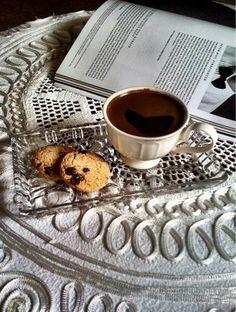 #gununkahvesi from rüya büyüktetik, #gununkahvesi vman ve cikolatali kurabiyeler esliginde icildi