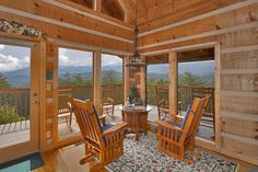 Halleluia - This cabin sleeps up to 6 however it is ideal for a honeymoon escape, an anniversary getaway or a small family vacation.