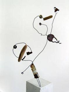 Les acrobates - (acrobats) Christian Voltz Alsace France, Wire Drawing, Art Brut, Wire Art, Stop Motion, Art Lessons, Art For Kids, Cool Art, Objects