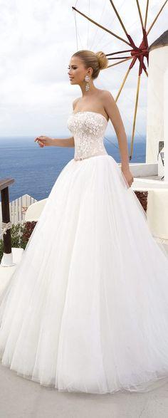 A(z) 8 legjobb kép a(z) Menyasszonyi ruhák táblán  f49236ed0b