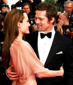 Angelina Jolie and Brad Pitt - how awesome to have a man look at you like this!