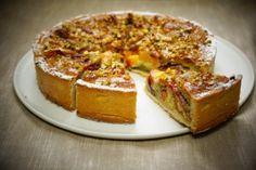 Tarte aux pêches jaunes et pistaches avec pâte sablée aux amandes