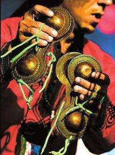 Street musician in Essaouira - #People of #Morocco - Maroc Désert Expérience tours http://www.marocdesertexperience.com