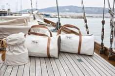 Mid June saw Greece's sailing aficionados come together for the 'Spetses Classic Yacht Race for the third consecutive year on the island of Spetses, off the Peloponnesian coast. Yacht Fashion, Boat Fashion, Fashion Bags, Classic Yachts, How To Make Handbags, Nautical Theme, Trekking, Bag Making, Candles