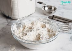 Homemade Dry Baking Mix (DIY Bisquick) is less expensive and better for you! Make homemade biscuits, pancakes, muffins, cakes, and more! Homemade Biscuits, Bisquick, Bread Recipes, Cooking Tips, Food To Make, Pancakes, Muffins, Easy Meals, Baking