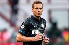 İtalya Serie A ekiplerinden Inter'de Roberto Mancini'nin forma şansı vermediği 34 yaşındaki Sırp defans oyuncusu Nemanja Vidic için İngiliz ekipleri Everton ve Aston Villa devrede.