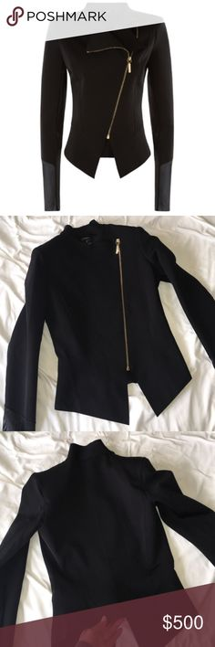 la perla scuba blazer sold out style. new without tags. Labeled a size 10 but really fits perfectly for a size 6/8. This was gifted to me from a boyfriend but it no longer fits. It was purchased from the la perla boutique in Barcelona. This item cannot be bundled ❤️ La Perla Jackets & Coats Blazers
