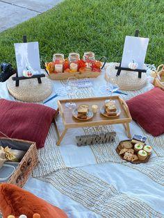Night Picnic, Fall Picnic, Picnic Theme, Picnic Birthday, Picnic Set, Beach Picnic, Picnic Ideas, Picnic Parties, Picnic Date Food