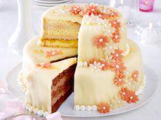 project wedding cake: recipe no 2 Mini Wedding Cakes, Indian Wedding Cakes, Mini Cakes, Cupcake Cakes, Cupcakes, German Cake, My Birthday Cake, Cake Bars, Amazing Cakes