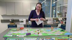 Heini Syyrilä liikennemattojen äärellä Monopoly