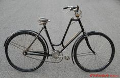 Old Bicycle, Bike Parts, Vintage Bicycles, Restoration, Archive, Facebook, Classic, Vehicles, Clothes