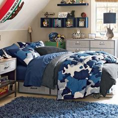 Awesome Army Blue Bedroom to Reflect the Masculine Teen Boy Character