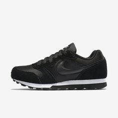 Nike Md Runner 2, Nike Runners, Zapatillas Tommy Hilfiger, Black Shoes, All Black Sneakers, Nike Shoes, Shoes Sneakers, Women's Shoes, Look Retro