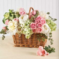 Flower Arrangement. Chic Flower Arrangement In Basket. Elegant Flower Arrangement Inspiration Including Peach White And Green Flower In Basket Decoration. Basket Flower Arrangements