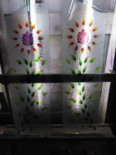 Pooja Room Door Design, Main Door Design, Room Partition Designs, Pooja Rooms, Glass Artwork, Room Doors, Home Design Plans, Corner Designs, Bed Furniture