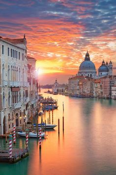 9 of the Most Romantic Canals in the World - CuddlyNest - Europe Travel Destinations: Venice, Italy. Travel Architecture Photography – Romantic Canals – Venice, Italy Travel Photography – Where to go and what to do in Europe on New Year - Places To Travel, Travel Destinations, Places To Go, Holiday Destinations, Venice Travel, Italy Travel, Travel Europe, Travel Usa, Travel Money