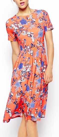 Not sure the sleeves would flatter me, but I love the pattern and length of this dress.