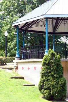 Centennial Park 10th Street and River Avenue            Holland, MI 49423 Originally Holland's marketplace, this 5.6 Victorian-era park has brick pathways, flowerbeds, a gazebo, a traditional Dutch fountain and a fish pond. Many of Holland's popular events take place here.            616-928-2450                      616-928-2455 Fax                          www.cityofholland.com/parksandcemeteries/centennial-park           downtown@cityofholland.com