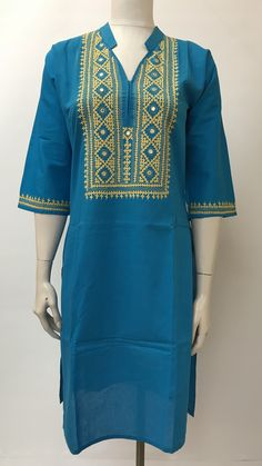 Sindhi Hand Embroidered Kurta Embroidery On Kurtis, Embroidery Neck Designs, Hand Embroidery Videos, Embroidery On Clothes, Hand Work Embroidery, Embroidery Suits, Embroidery Fashion, Chudidhar Neck Designs, Kurti Neck Designs