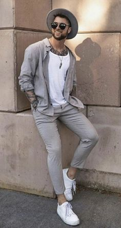 Look casual masculino, combinando cinza e branco com estilo! Best Smart Casual Outfits, Smart Casual Men, Stylish Mens Outfits, Look Casual, Stylish Man, Trendy Mens Fashion, Fashion Moda, Men Fashion, Latest Fashion Trends
